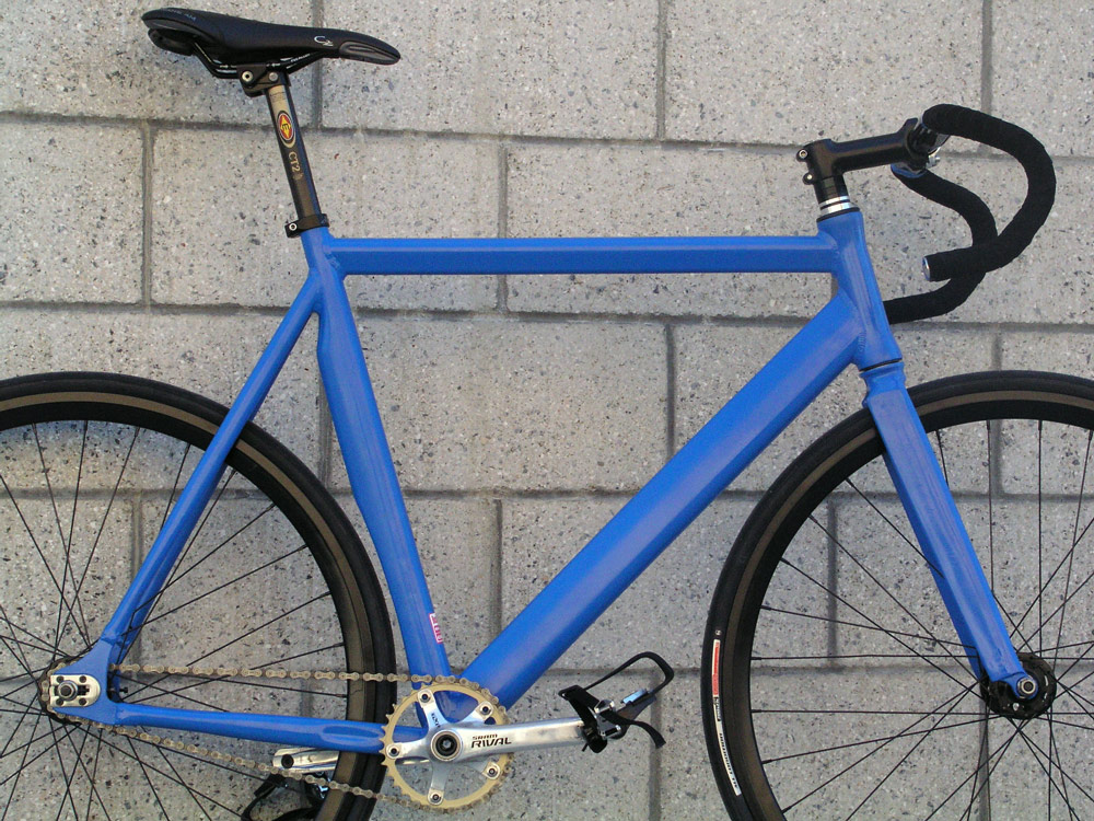 Black and Blue stem and carbon bars photo