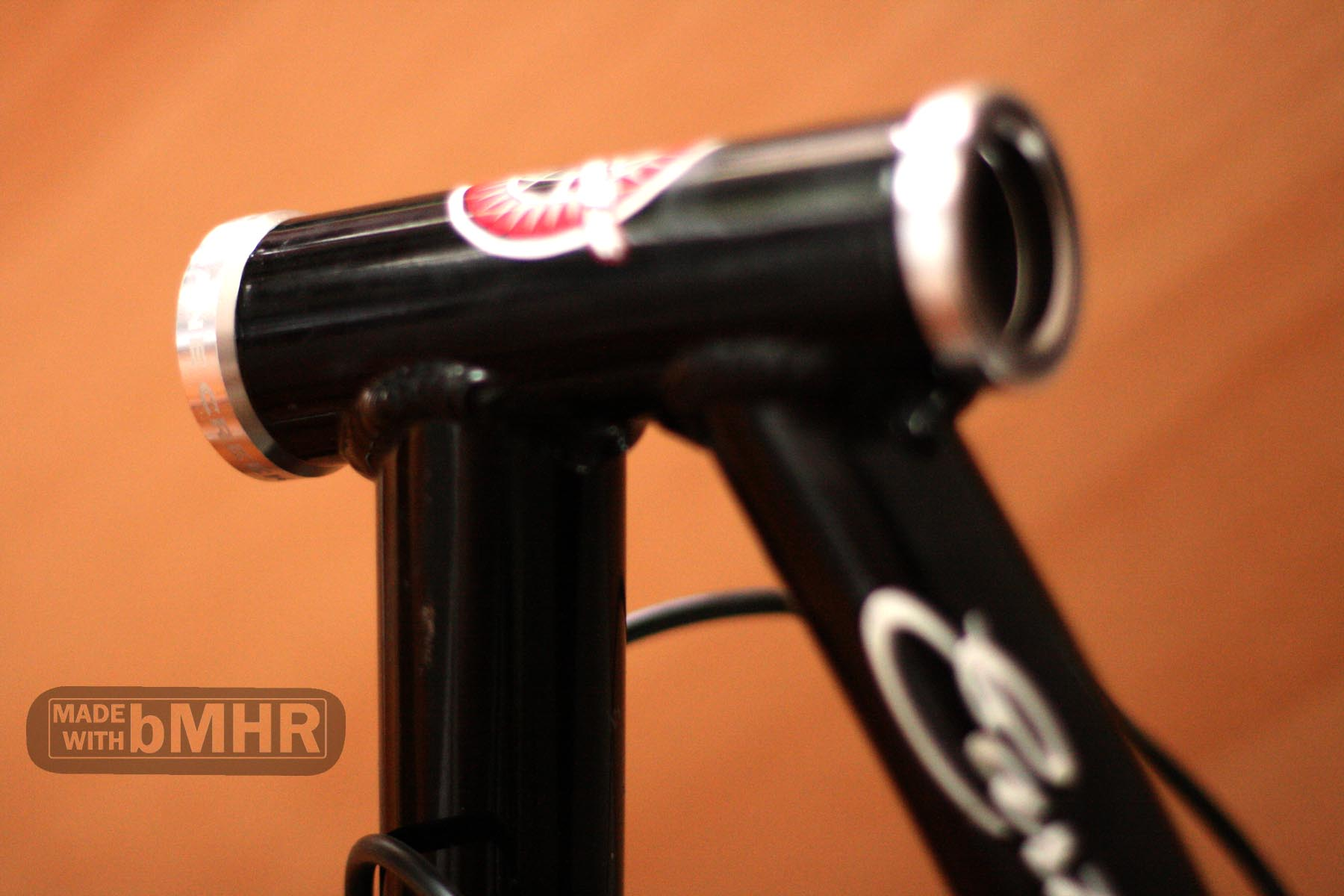 Some detail of the new Cane Creek S2 headset.