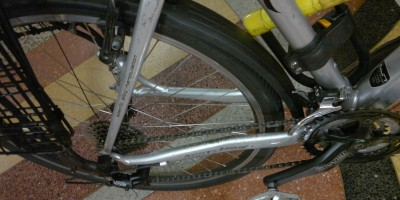 pthotgraph of Cool-short-fender-to-keep-derailleur-clean-cargo-hauling-bicycle-bMHR